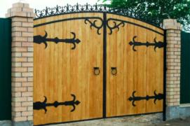 Кованые жиковины для двери и ворот